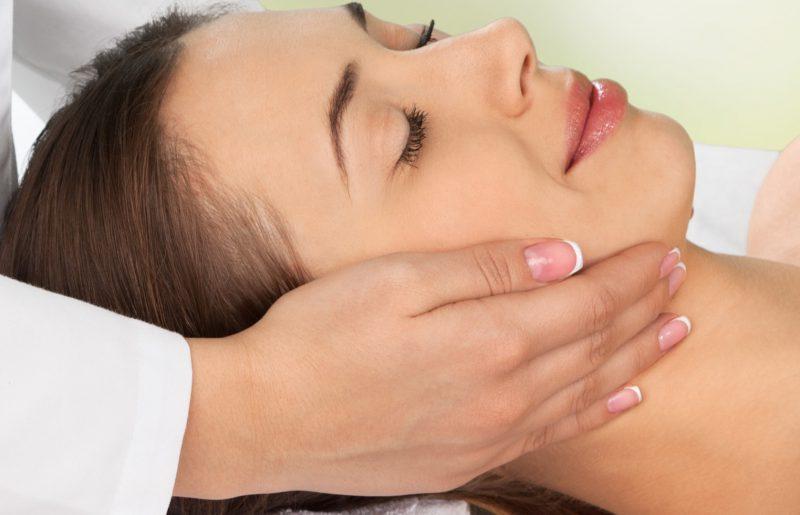 Protimigrénová masáž - Masáže Husova